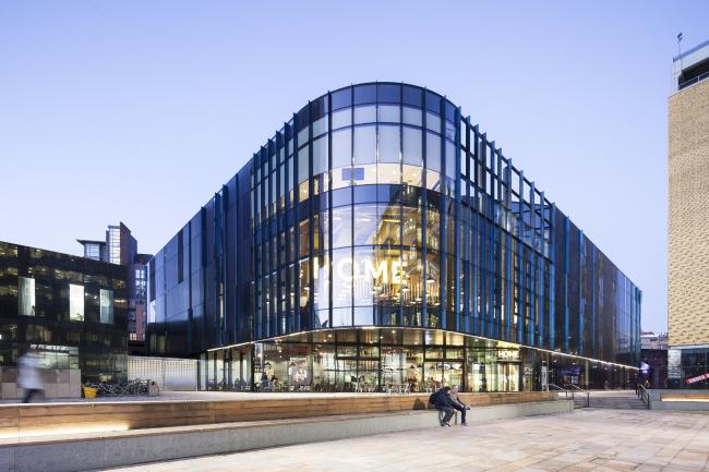 Центр искусств, театра и кино HOME в Манчестере.  Mecanoo. Фото © Machteld Schoep