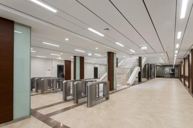 Интерьер здания Арбитражного суда в Казани. Фотография предоставлена компанией Ecophon