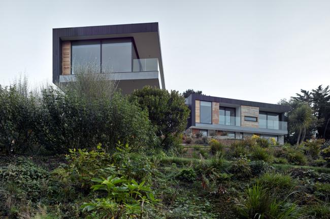 Дом The Owers House, Феок, Корнуолл.  John Pardey Architects. Фото © James Morris
