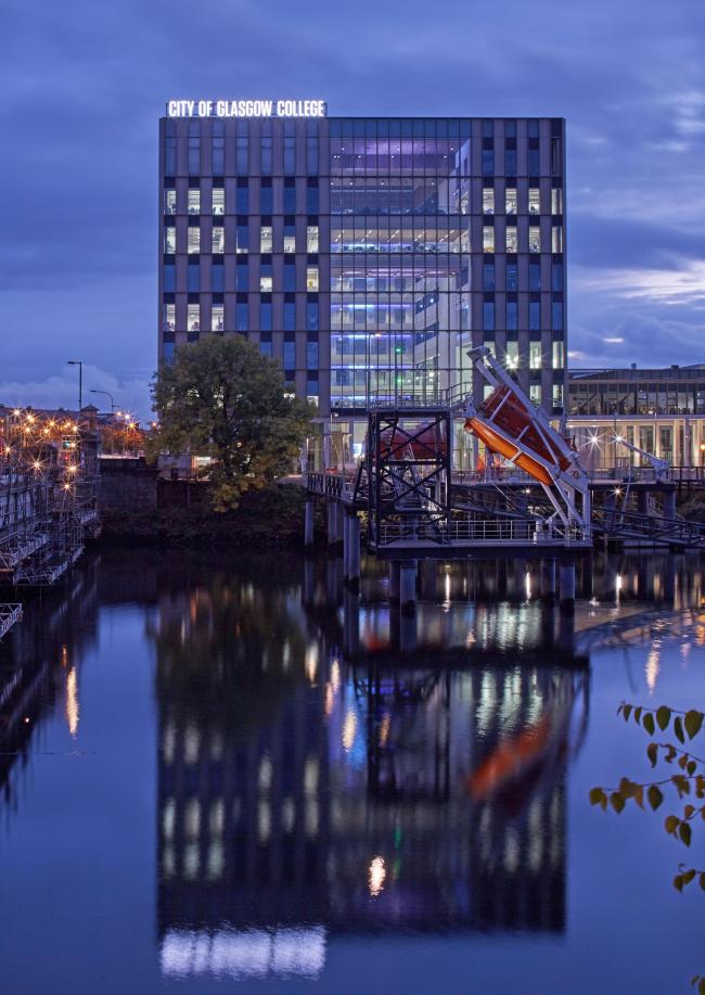 Кампус Риверсайд городского колледжа Глазго. Michael Laird Architects и Reiach and Hall Architects © Edmund Sumner