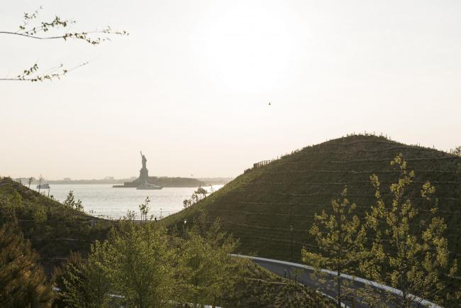 Парк Говернорс-Айленд. «Холмы» © Timothy Schenck