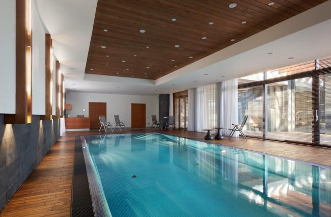 Hampton House. Country residence. Swimming pool. Construction, 2016 © Roman Leonidov architectural bureau
