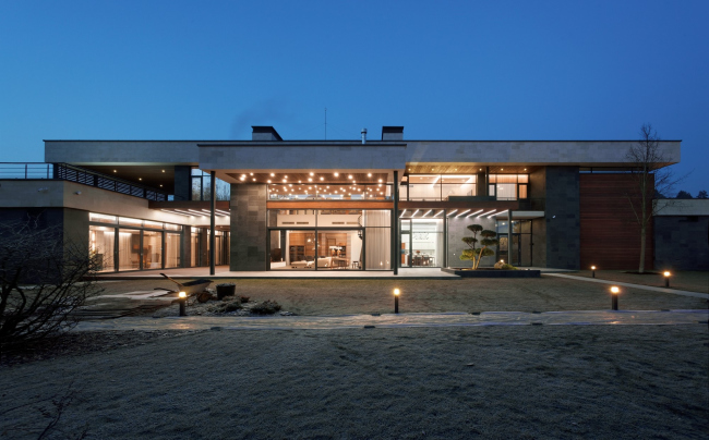 Хэмтон Хаус. Загородный дом. Свет в интерьере. Постройка, 2016 © Архитектурное бюро Романа Леонидова