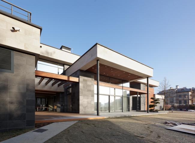 Хэмтон Хаус. Загородный дом. Постройка, 2016 © Архитектурное бюро Романа Леонидова