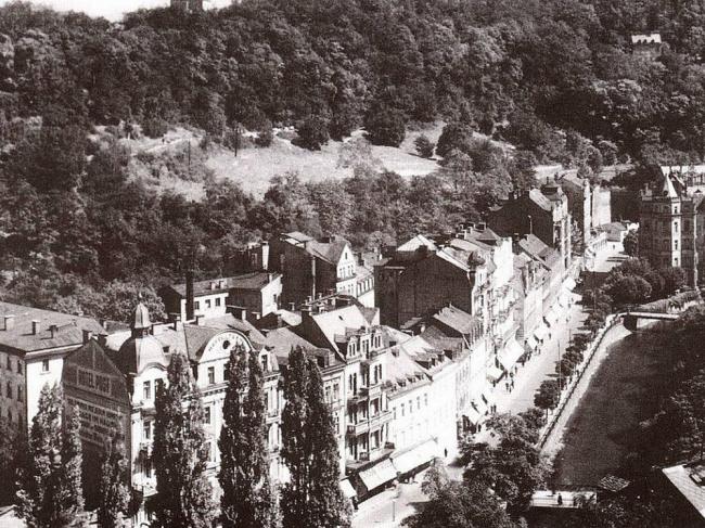 Квартал Хебской улицы, принесенный в жертву новому комплексу. Фото 1930-х гг.