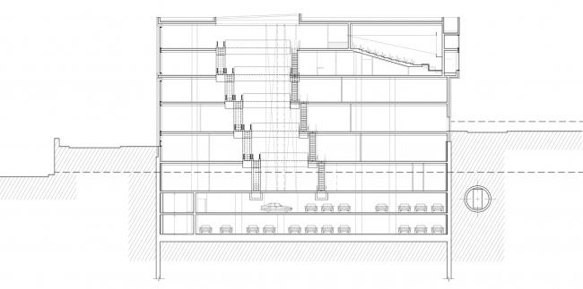 Многофункциональный комплекс на ул. Земляной Вал. Разрез © Гинзбург Архитектс