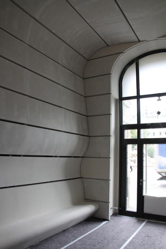 Реконструкция входной зоны исторического здания на Ленбахплац © Peter Ebner