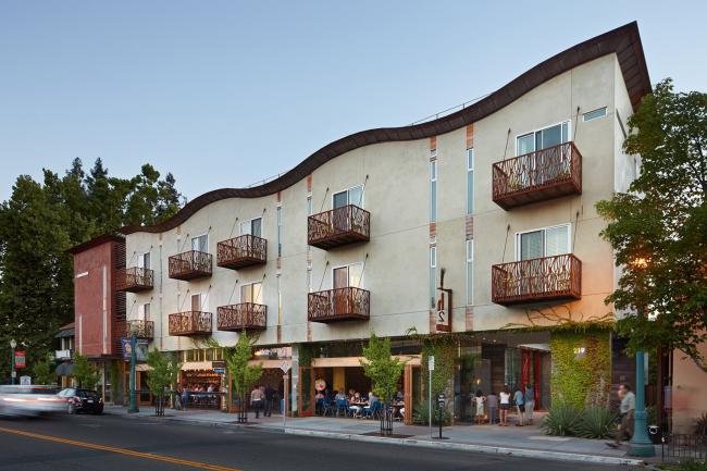 h2 Hotel in Healdsburg, California © Bruce Damonte