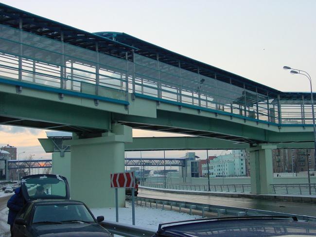 Пешеходный мост между 1-м и 2-м Кожуховскими проездами © Архитектурное бюро Асадова