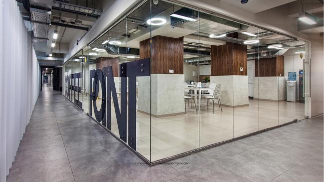 Проект интерьеров и инженерных систем дополнительного офиса «Абсолют недвижимость» © Т+Т Architects