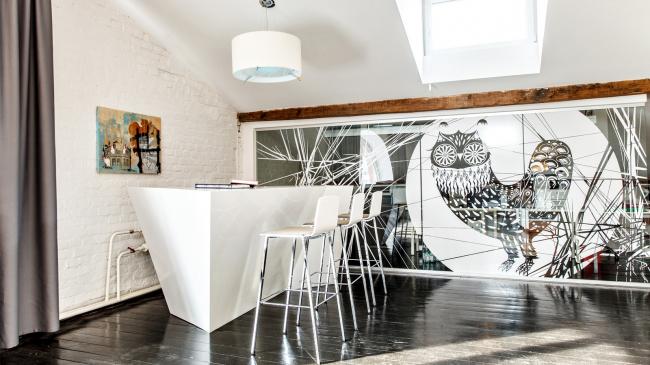 Интерьер медийной площадки Roof Point © T+T Architects
