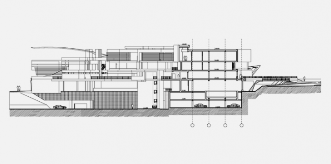 Спортивно-оздоровительный центр в пос. Серебряный бор. Разрез © Архитектурное бюро «Тотемент/Пейпер»