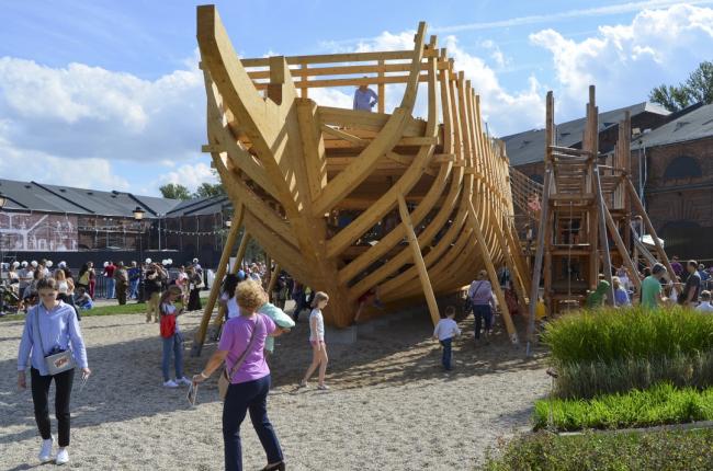 Новая Голландия. Детская площадка © West 8