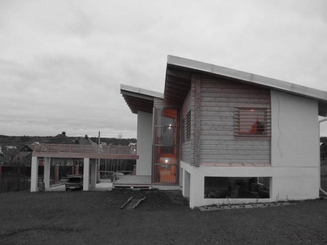 Загородный дом в поселке Бушарино. Реализация, 2007 © Архитектурная мастерская Лызлова