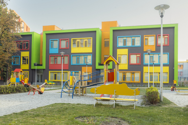 """The school complex on the territory of """"Comfort Town"""" residential area. The kindergarten unit. Construction, 2014 © Archimatika"""