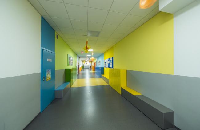 Школа искусств в составе учебного комплекса на территории жилого квартала «Комфорт-таун». Постройка, 2014 © Архиматика
