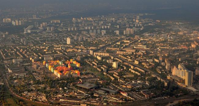 Вид с высоты птичьего полета на жилой квартал «Комфорт таун». Постройка, 2014 © Архиматика