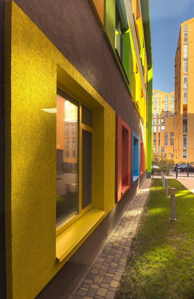 "The kindergarten on the territory of ""Comfort Town"" residential area. The kindergarten unit. Construction, 2014 © Archimatika"