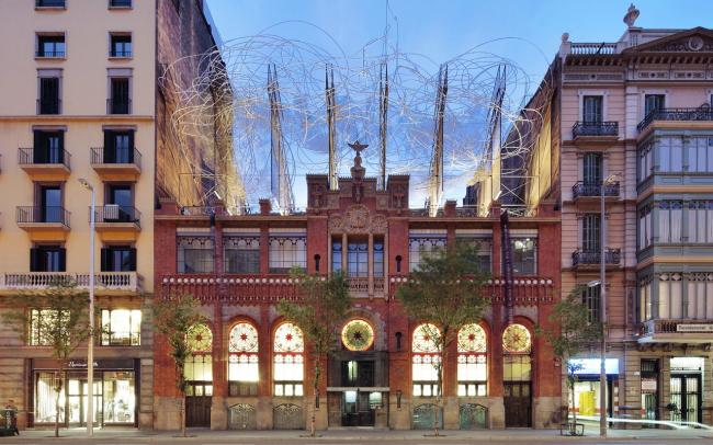 Здание Фонда Антони Тапиеса в Барселоне. 2010 © José Hevia