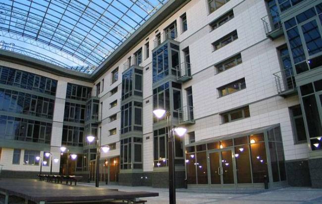 Апартамент-отель «Пятый элемент». Реализация, 2003. Фотография © К.В. Смирнов