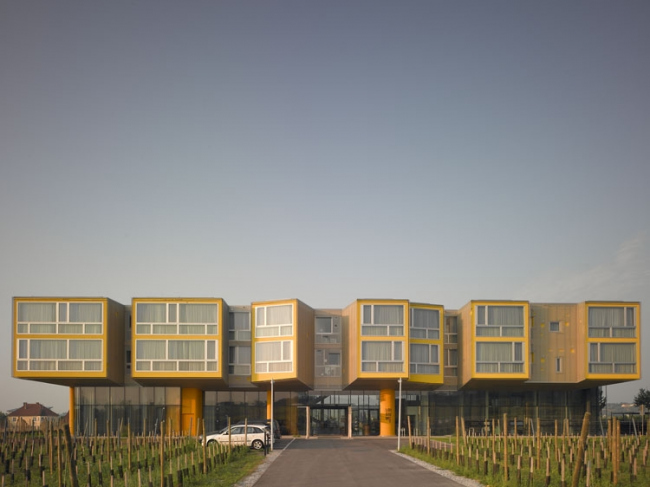 Отель «Лойзиум» © Steven Holl Architects