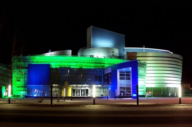 Многофункциональный театрально-концертный комплекс «ЮГРА». Реализация, 2005 © Четвертое измерение