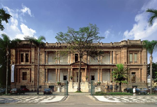 Государственная художественная галерея в Сан-Паулу. 1998. Реконструкция исторического здания © Nelson Kon