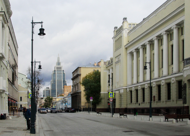 БЦ «Оружейный», вид с Малой Дмитровки. Фотография © Юлия Тарабарина, Архи.ру, 2016