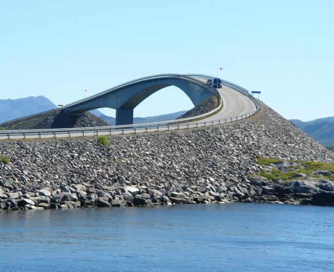 Сторсезандетский мост на маршруте «Атлантическая дорога». Фото © Нина Фролова