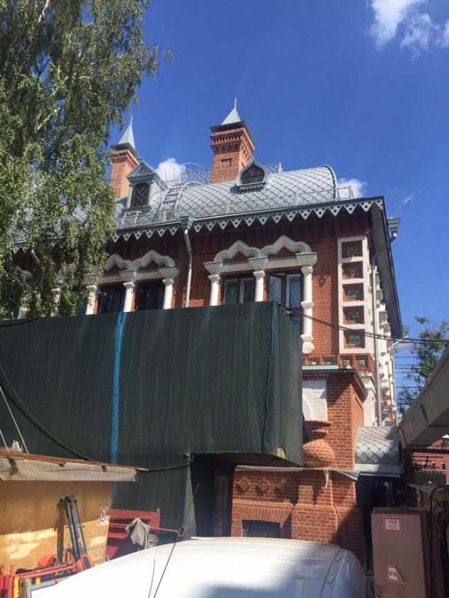 Реставрация исторического дома военного атташе Франции на Пречистенской набережной. Строительно -монтажные работы на объекте. Фотография предоставлена компанией RHEINZINK