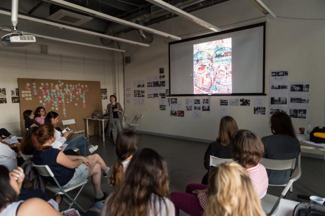 Лекция Александры Селивановой в рамках воркшопа. Июль, 2016. Фотография © Наталия Буданцева