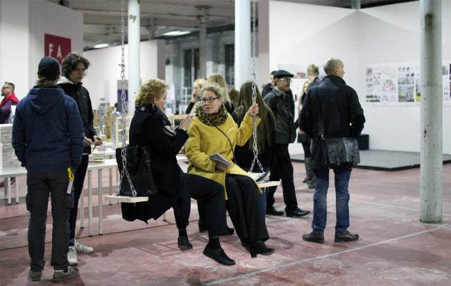 Зодчество, 5 корпус, 2 этаж. Экспозиция Оскара Мамлеева. Фотография © Юлия Тарабарина