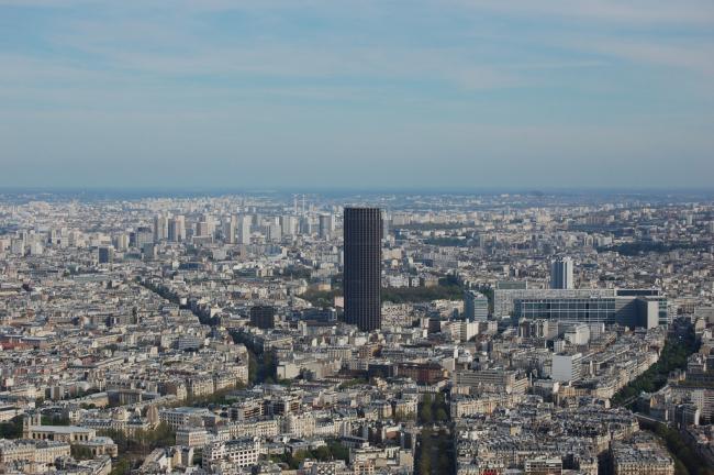 Вид на башню Монпарнас, Париж. Фото с сайта flickr.com. Автор Cha già José. Фото находится в публичном доступе