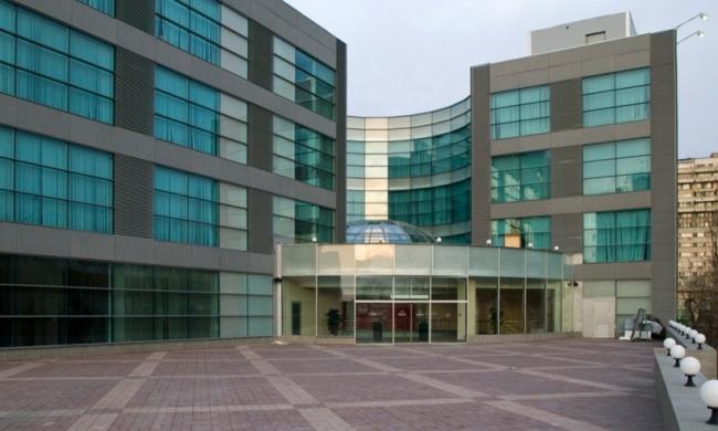 Торговый центр у станции метро «Тульская». Реализация, 2008 © АБ «Остоженка»