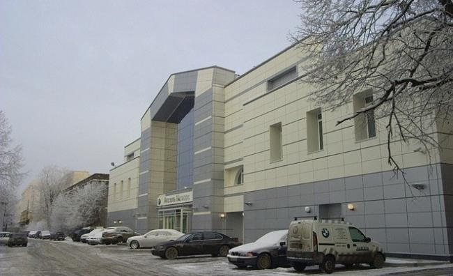Автосалон «BMW». Реализация, 2005 © Архитектурное бюро «А.Лен»