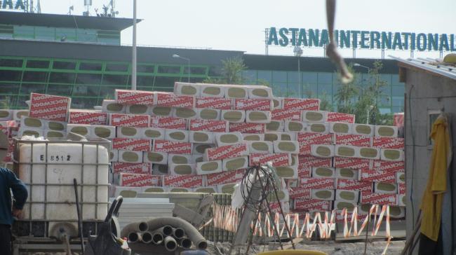 Новый пассажирский терминал аэропорта Астаны. Строительные работы. Фотография © ROCKWOOL