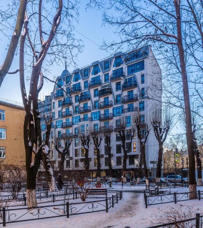 Жилой дом на улице Чапаева. Постройка, 2016 © А.Лен
