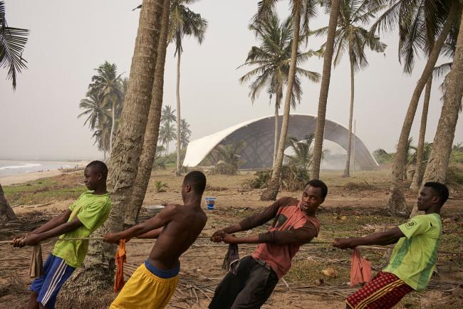 Категория «Чувство места». Автор: Julien Lanoo. Сцена для Института искусства и культуры Хадува (Гана). Архитектурное бюро: [a]FA [applied] foreign affairs