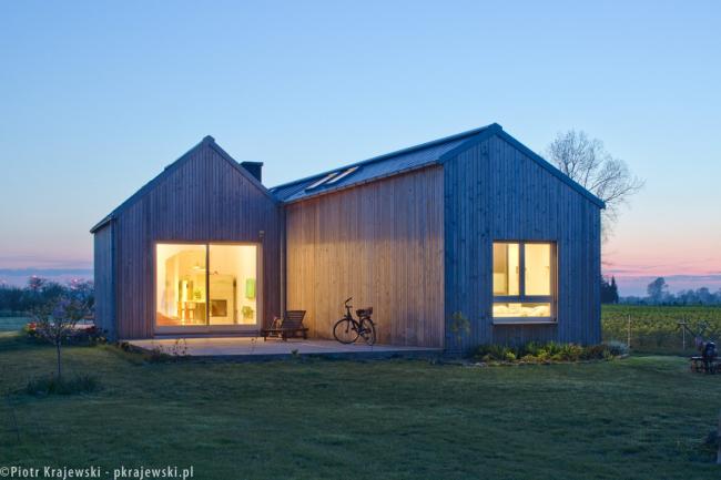 Домик в поле. Глогов, Польша © Blank Architects