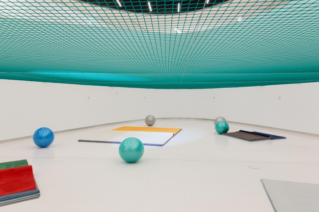 Выставка Доминик Гонсалес-Фёрстер «Парк Пинчона: утопия/антиутопия» в Музее искусства, архитектуры и технологии (MAAT) © Dominique Gonzalez-Foerster / фото: Bruno Lopes