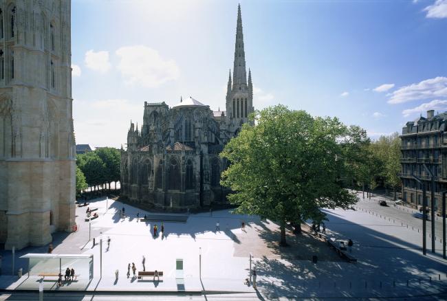 Площадь Пе-Берлан в Бордо © Roland Halbe