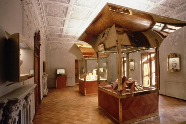 Музей стекла и керамики © Hans Hollein