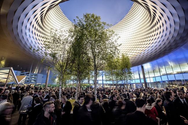 Выставочный комплекс в Базеле – новый павильон. Фото: Baselworld via Wikimedia Commons. Лицензия GNU-Lizenz für freie Dokumentation, Version 1.2