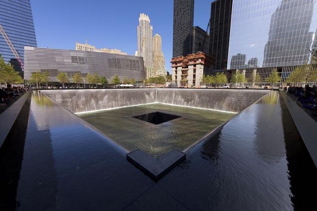 Национальный мемориал 11 сентября. Фото: NormanB via Wikimedia Commons. Лицензия CC-BY-SA-3.0
