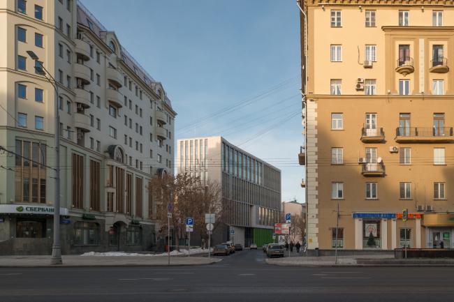 Деловой центр на улице Красина; вид с противоположной стороны Садового кольца. Фотография © Алексей Народицкий, 2016