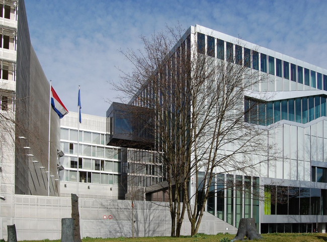 Посольство Нидерландов в Берлине. Фото: Achim Raschka via Wikimedia Commons. Лицензия CC-BY-SA-3.0