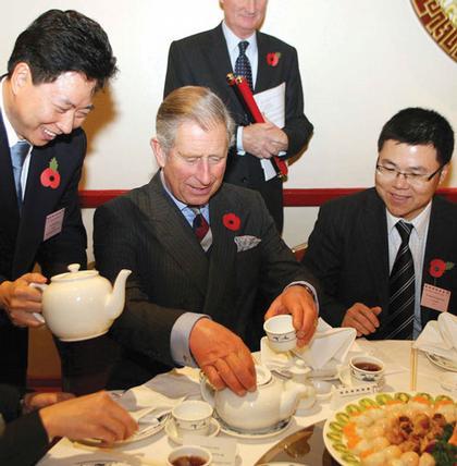 Принц Чарльз во время визита в лондонский Чайна-Таун в ноябре 2007