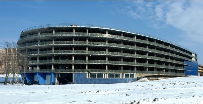 Гараж-стоянка на улице академика Варги. Реализация, 2002 © Архитектурное бюро Тимура Башкаева