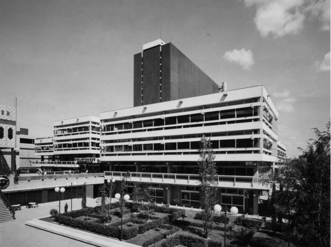 Муниципальная библиотека. Арх. Шарль Дельфант, Жак Перрен-Файоль, Робер Левассёр, 1972 г. Источник: Bibliothèque municipale de Lyon