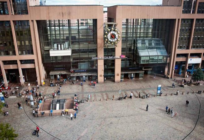 Новый вокзал Пар-Дьё. Арх. Эжен Гашон, Жан-Луи Жиродэ. 1983 г. Источник: Bibliothèque municipale de Lyon